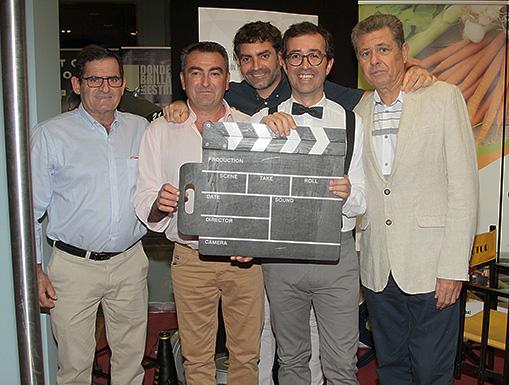 Una primera versión del documental se proyectó en un pre-estreno mundial